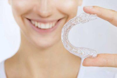 Ortodonzia a Como. Apparecchi per denti classici e invisibili